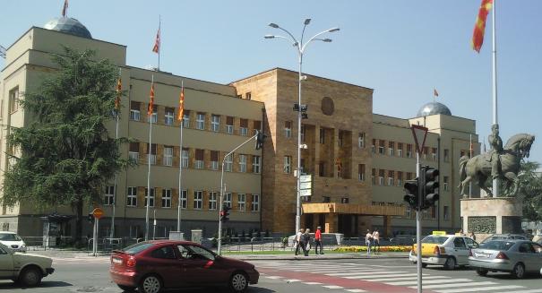 Во Собранието тешко одело исполнувањето на нарачката од Груевски. Фото: Вистиномер