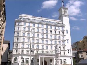 Уривањето на  балконот на новата зграда на ВМРО-ДПМНЕ, Жерновски го најавува од јули 2015 година.  Фото: Скриншот