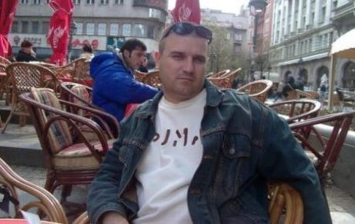Зоран Божиновски во Нови Сад откако е ослободен по првиот притвор. Фото: ФБ на  З. Божиновски