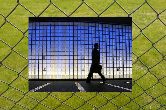 Санкции - пречка за бизнисот. Фото: election/openDemocracy на Flickr