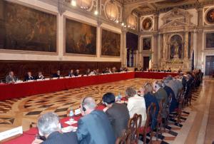 Komisioni i Venecias bisedonte me veshë të shurdhër. Foto: Komisioni i Venecias