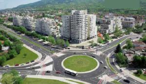 На крстосницата меѓу булеварот Партизански одреди и улиците Ацо Шопов и Ѓорче Петров е формиран најголемиот кружен тек во Скопје, со дијаметар од 40 метри  Фото: Принтскрин (Отчет на Трајановски)