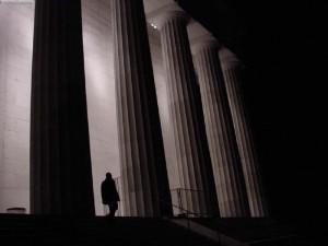 Tunden shtyllat e sistemit nacional të integritetit. Foto: Matt/flickr