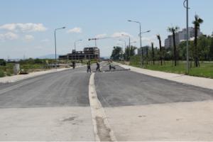 """Новата улица покрај реката Вардар на потегот од СЦ """"Јане Сандански"""" до булеварот """"Србија"""",  е изградена во мај 2016 година Фото:  веб-страница на Општина Аеродром"""