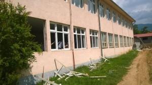 Замената на столаријата се врши со задоцнување. Фото: Општина Босилово