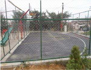 Кошаркарското и детското игралиште во Стаклара Фото: Принтскрин Општина Кисела Вода