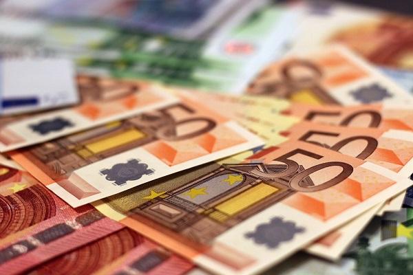 Аналитичарите алармираат за сумата. Фото: moerschy/Pixabay