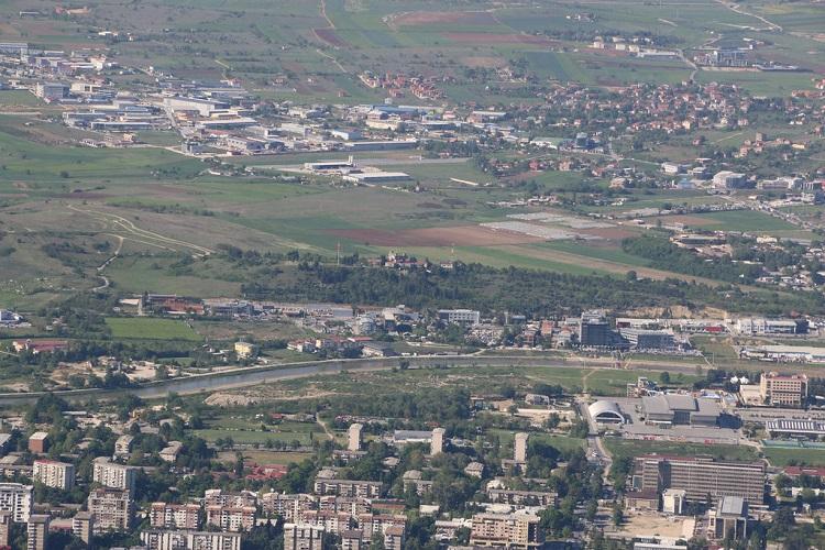 Само најави дека ќе почне изградбата на новото училиште во Визбегово  Фото: Принтскрин