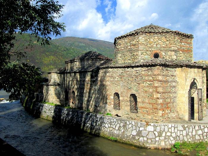 Rindërtimi i Hamamit turistik në Tetovë në bashkëpunim me Agjencinë Turke për Bashkëpunim dhe Zhvillim - TIKA. Foto: commons.wikimedia.org