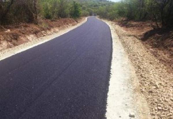 Afro 383.000 euro janë harxhuar për rrugën prej 4,5 km. Foto: Komuna e Shtipit.