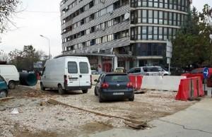 За асфалтирање на прекопите ќе треба уште да се чека. Фото: Вистиномер
