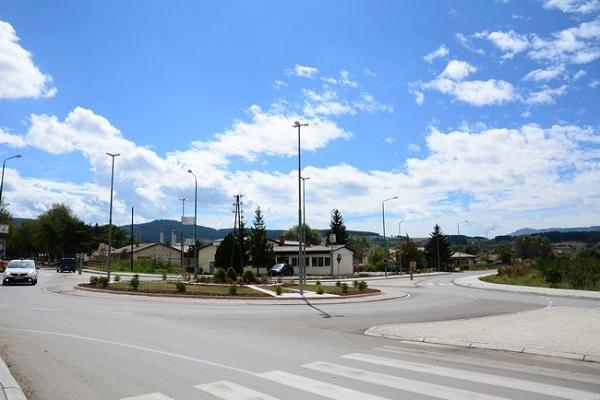 Кружниот тек на влезот на Берово изграден со задоцнување од осум месеци . Фото: Општина Берово