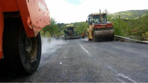 Në maj të vitit 2016 filloi asfaltimi i rrugës rajonale Manastir - Prespë - Bukovë. Foto: mtc.gov.mk printscreen.