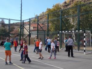 Kënd i lojërave shumëshërbimësh në fshatin Istibanja. Foto: Faqja zyrtare e Facebook-ut - kryetari i komunës së Vinicës.