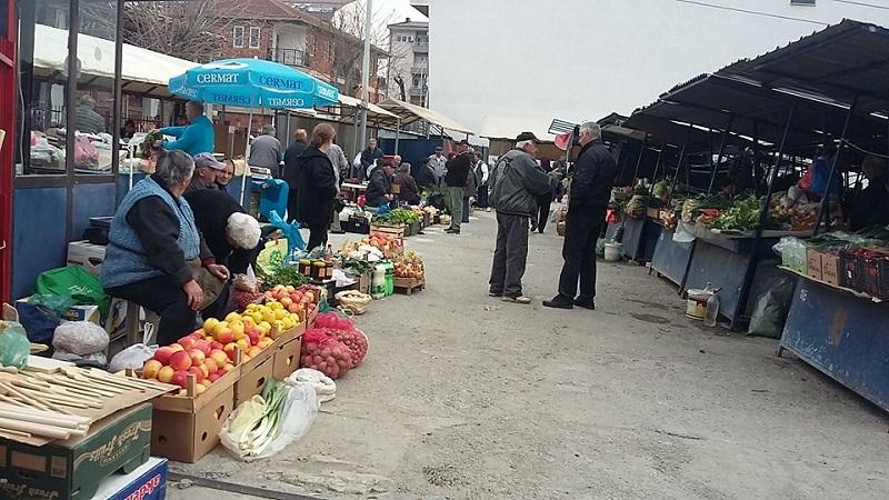 Охрид, трети април 2017, покриен пазар сè уште нема. Фото ФБ страница на ЈП Градски пазар - Охрид