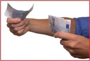 Para ka, por nuk është e qartë se kush t'i jep, dhe kush t'i merr. Foto: Pixabay.