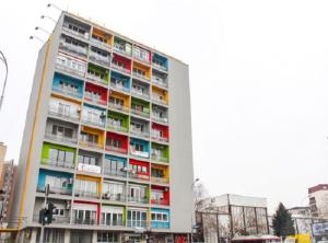 """Зградата на булеварот """" Св. Климент Охридски"""" , наречена """"Папагал"""",  доби нов лик во февруари 2014 година Фото: Принтскрин"""