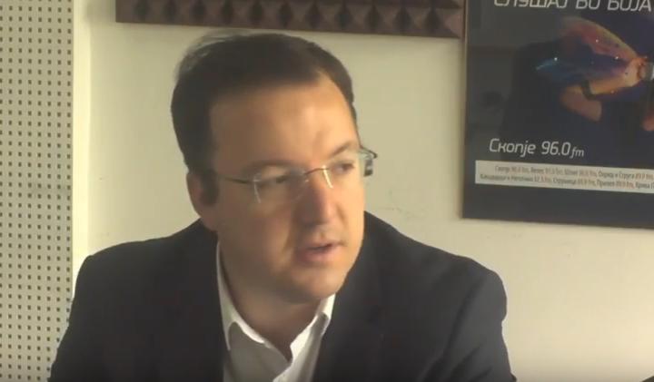 Aleksandar Nikolloski harron praktikën e VMRO-DPMNE-së. Foto: screenshot.