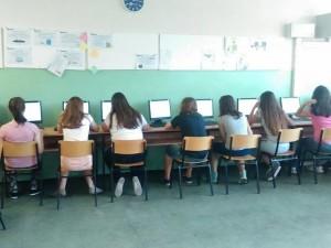 Në seancën e parë pas zgjedhjes së qeverisë se re, Kuvendi miratoi ndryshime ligjore ne të cilat u hoq testimi ekstern në shkollat fillore dhe të mesme. Foto:Meta