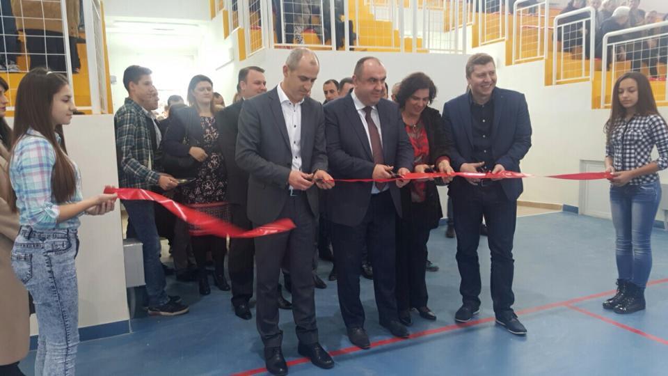 """Од свеченото пуштање во употреба на спортската сала  """"Крсте Мисирков"""" Фото: Општина Гази Баба"""