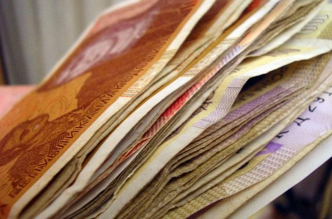 Минималната плата од 200 евра важи и за вработените во кожарската, текстилната и во индустријата за обувки Фото: www.freeimages.com