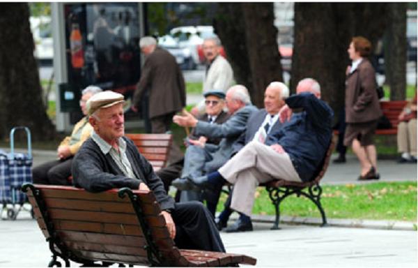 На крајот од 2017 година пензионерите не добија дополнително покачување на пензиите Фото: szpm.org.mk